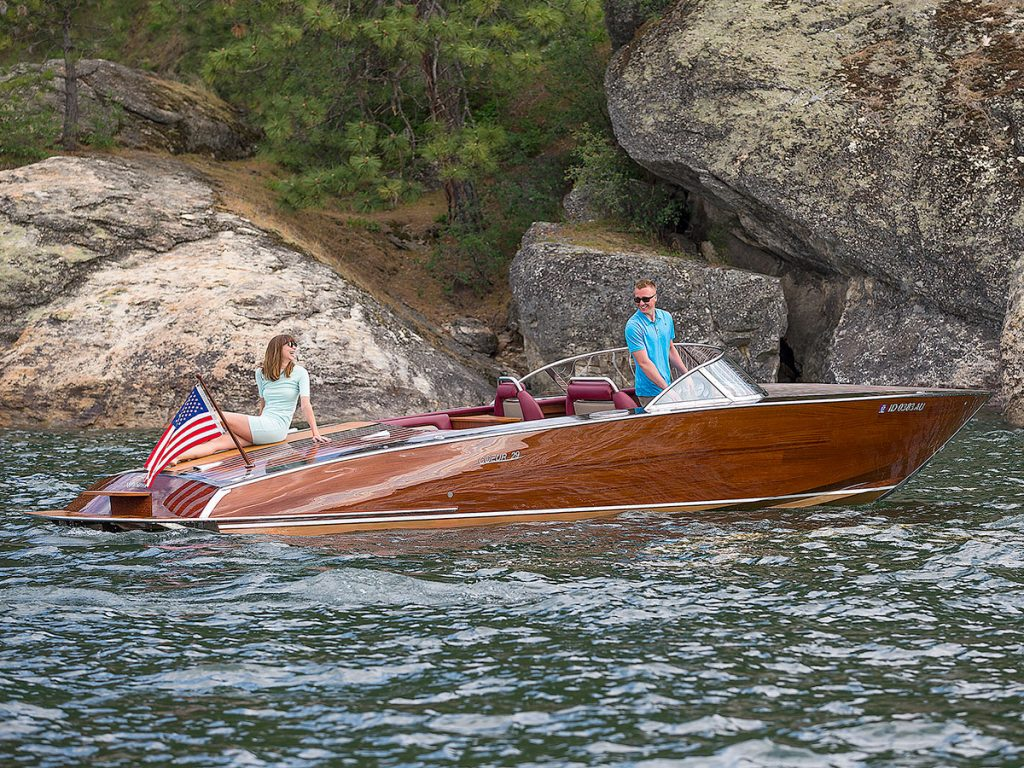 Coeur Customs Boat Model 290 Nighthawk